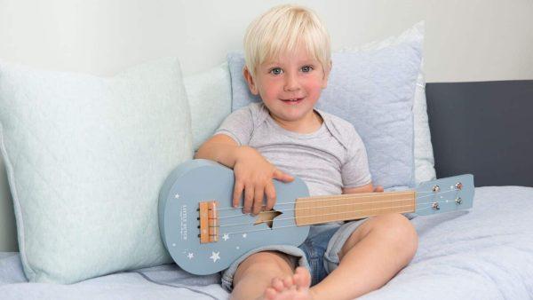 galerie-1-little-dutch-guitare-bleue-bleu-majoliechambre
