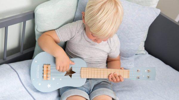 galerie-2-little-dutch-guitare-bleue-bleu-majoliechambre