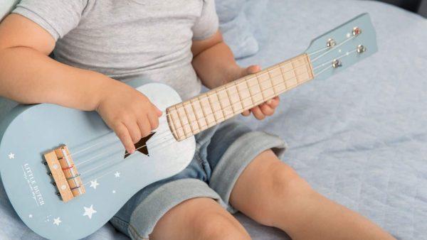 galerie-3-little-dutch-guitare-bleue-bleu-majoliechambre