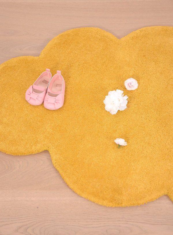 tapis enfant nuage moutarde