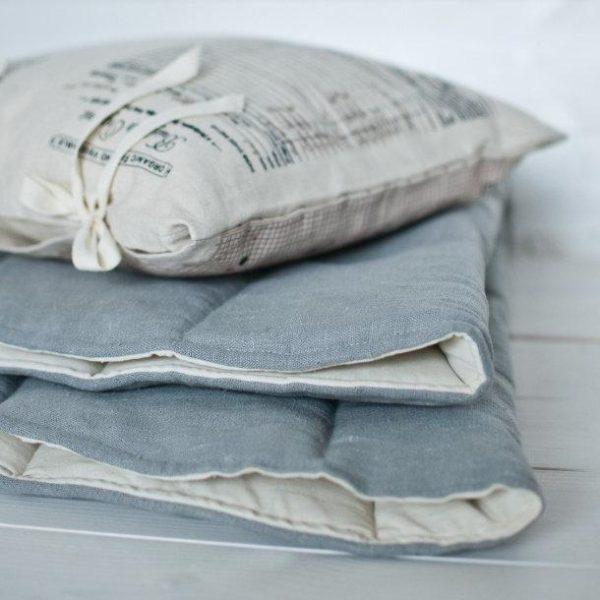 tissu tapis lin gris
