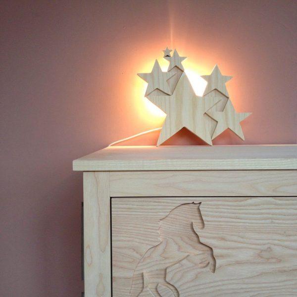 lampe-etoiles-bois-bebe