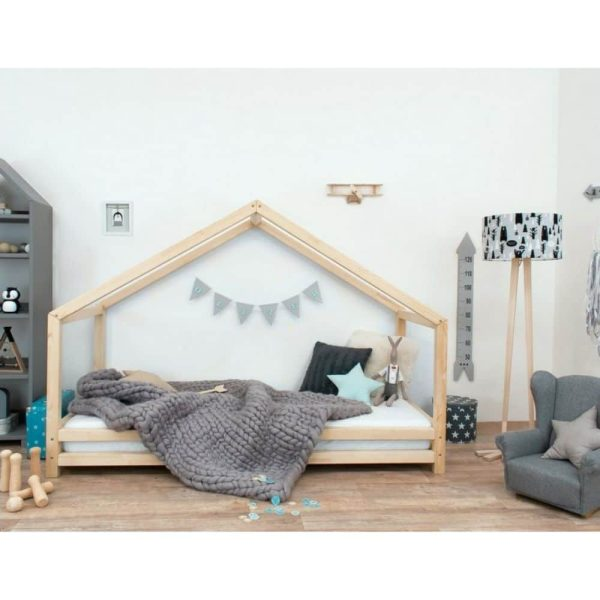 lit cabane montessori ouvert sur le côté naturel Lucky
