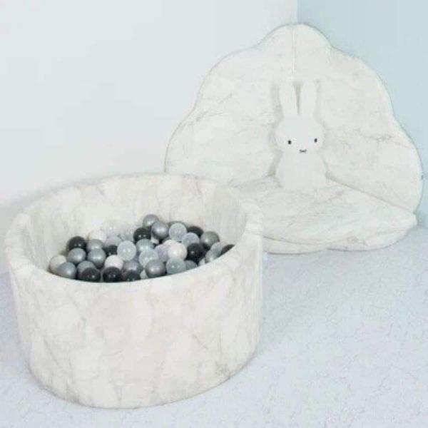 galerie piscine à balles effet marbre