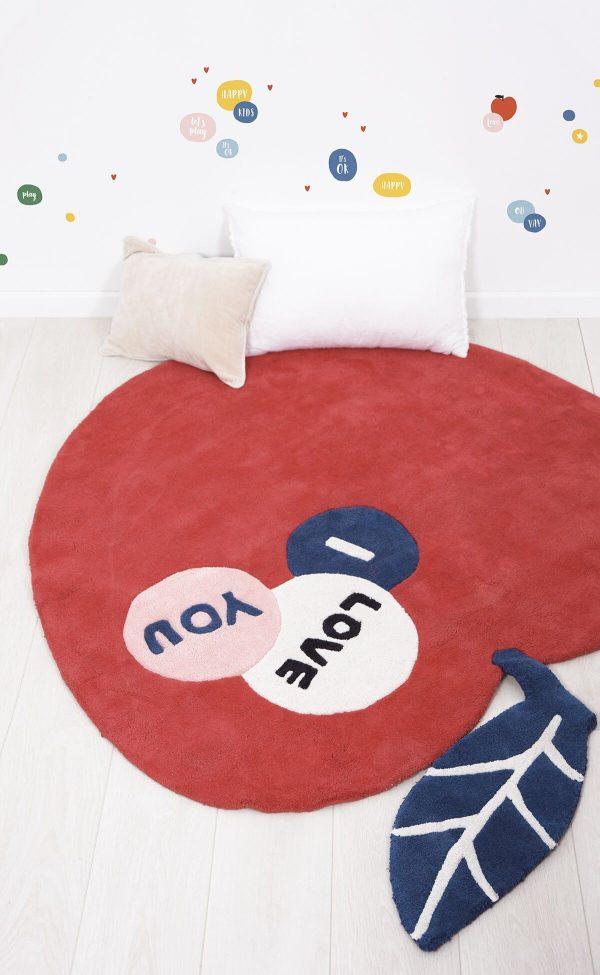 tapis coton enfant pomme rouge
