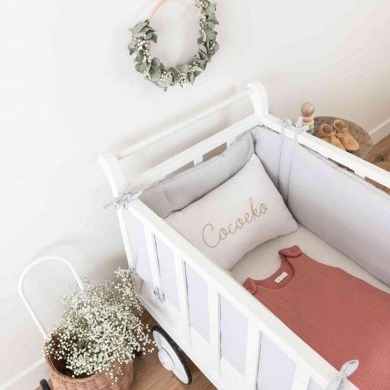 tour de lit bébé en gaze de coton gris clair