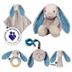 Le lapinou apaisant gris avec les accessoires et le mini modèle