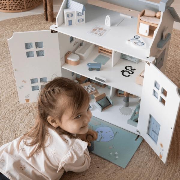 maison de poupée en bois little dutch